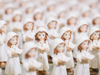 A photo of many small Angel statues