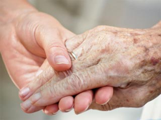 Photo of an elderly woman's hand